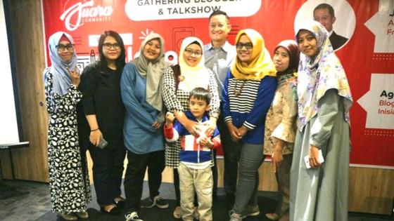 """Komunitas Blogger Perempuan Semarang """"Gandjel Rel"""" bersama Juliari P. Batubara"""